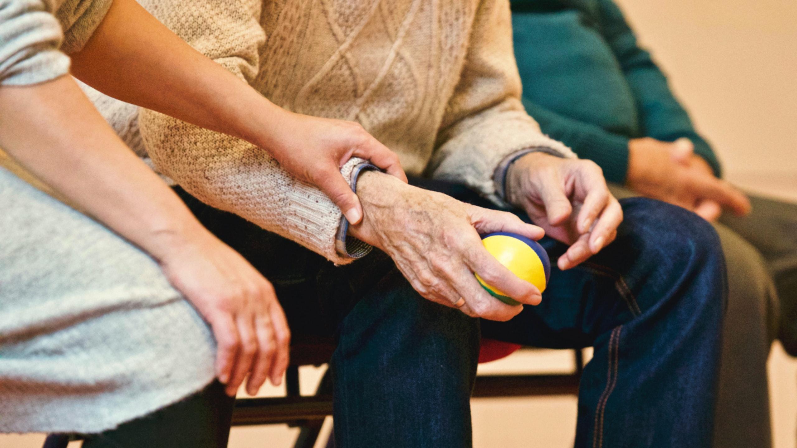 Curso de cuidador de idosos online e gratuito